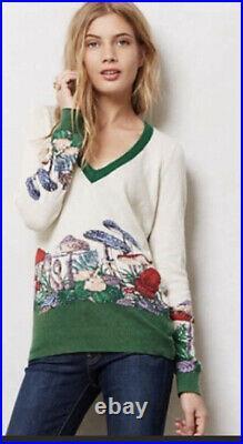 134. RAre Anthropologie Mushroom Patch V Neck HWR Monogram Sweater M