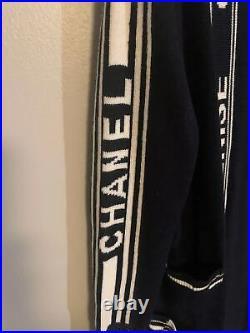 Auth Chanel 2019 Letter Logo Knit Dark Navy Poncho Size38 Us6